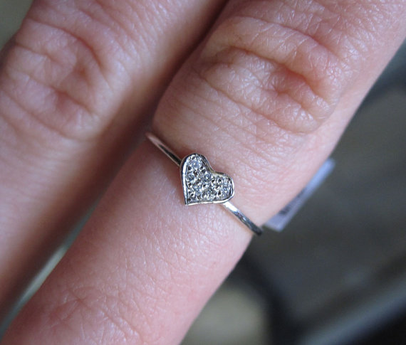 Ladies Diamond Heart Ring 14K White Gold 0.05 cts. 6J7799